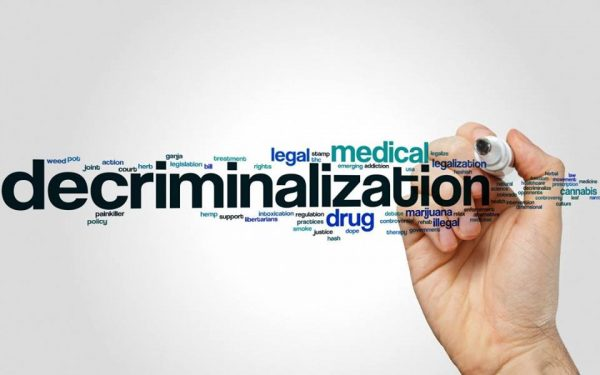 decriminalization of illicit drugs in the The argument that drug decriminalization, or legalization, will solve the budget crisis, reduce prison overcrowding and cripple drug cartels is simply not supported by evidence in fact, the benefits of keeping marijuana and other illicit drugs illegal clearly outweigh the negative and predictable consequences of legitimizing these substances.